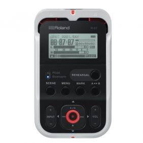 Roland R-07 High-Resolution Audio Recorder White